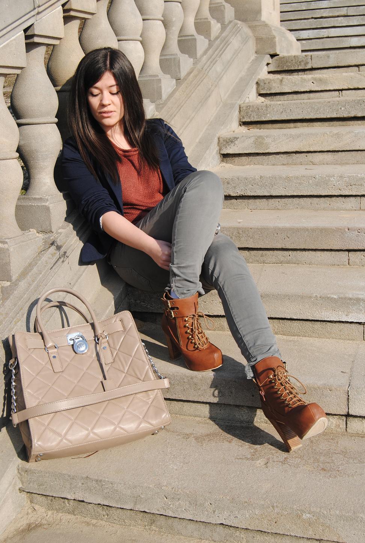 ee018b055c05f Sweter – New Look Marynarka – Reserved Zegarek – Michael Kors Rurki – Zara  Torba – Michael Kors Botki – Romwe