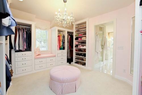barokowy żyrandol garderoba
