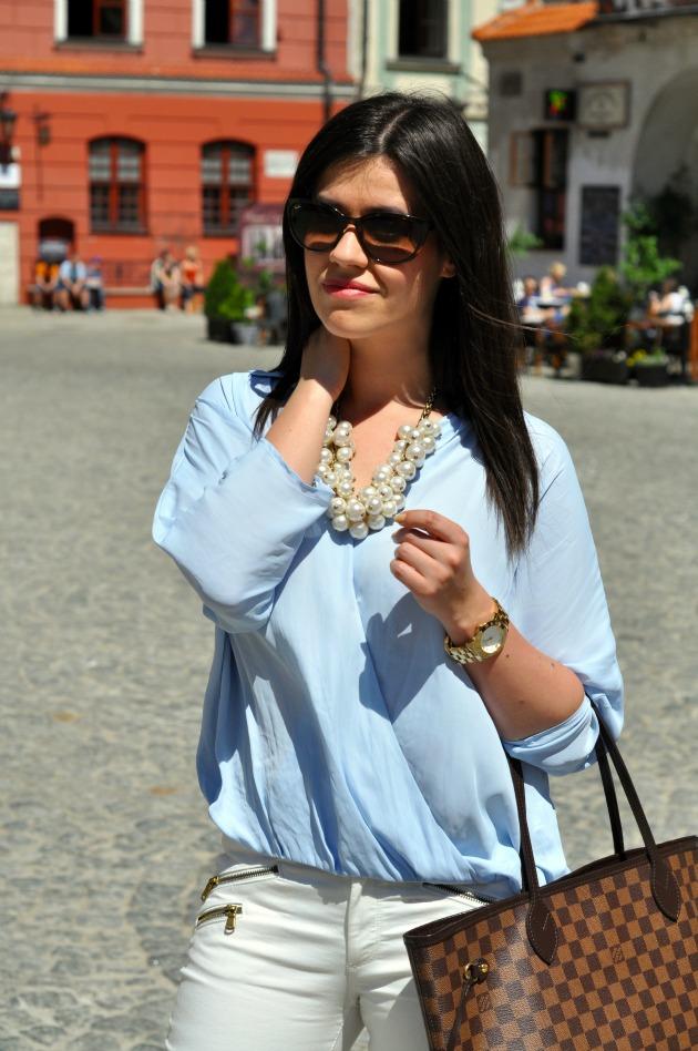 błękitna koszula stylizacja