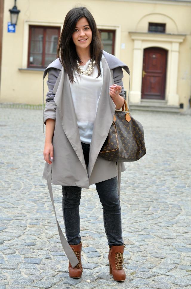 Fashionelka stylizacja jesienna