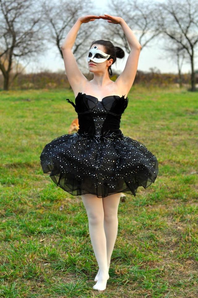 black swan halloween
