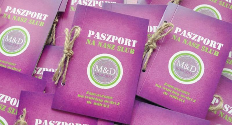 zaproszenia--ślubne-paszport-oryginalne-nietypowe-podróż-vintage-fiolet-zieleń-ze--sznurkiem4