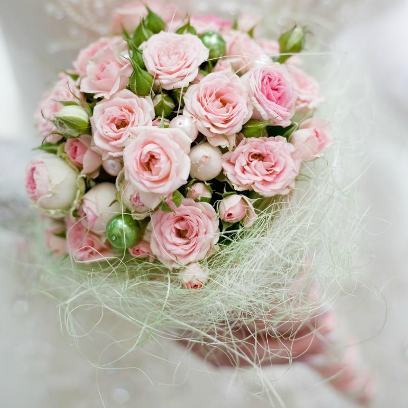 ślubna wiązanka róż