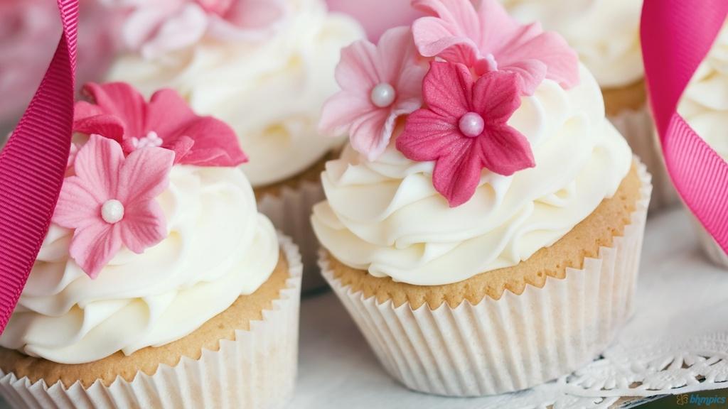 babeczki tort różowe
