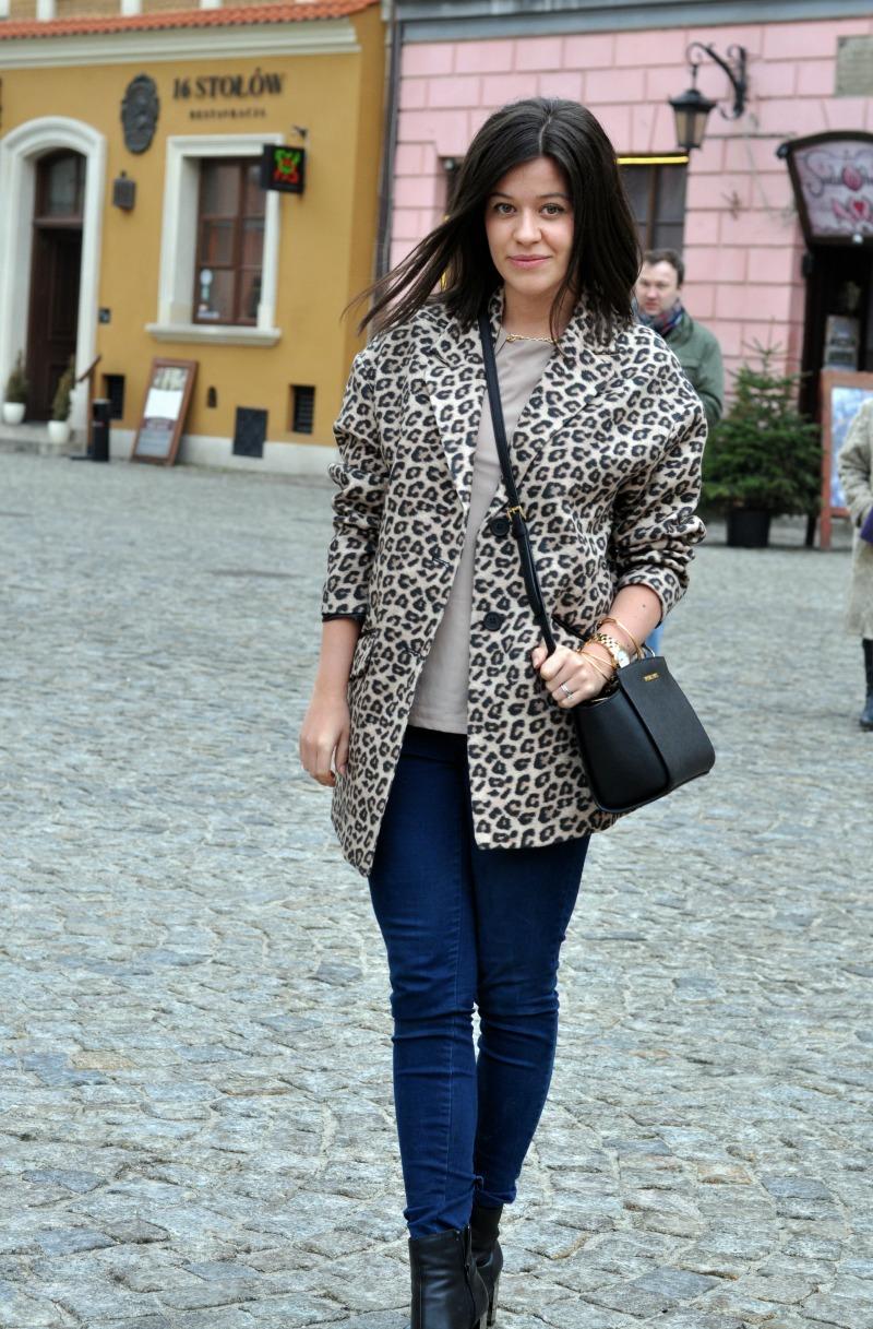 panterkowy płaszcz stylizacja