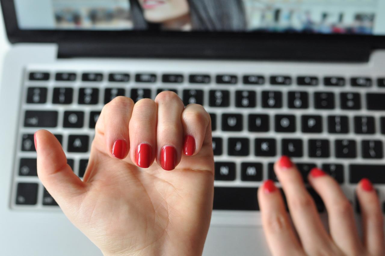 manicure hybrydowy zalety
