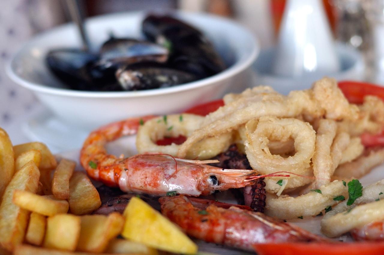 grecka kuchnia owoce morza
