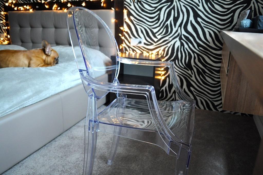 transparentny-fotel2