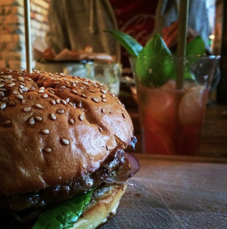 burger jack stół i wół