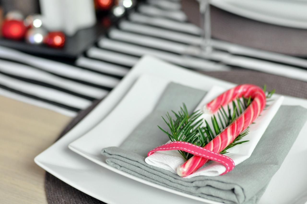 jak udekorować świąteczny stół pomysły