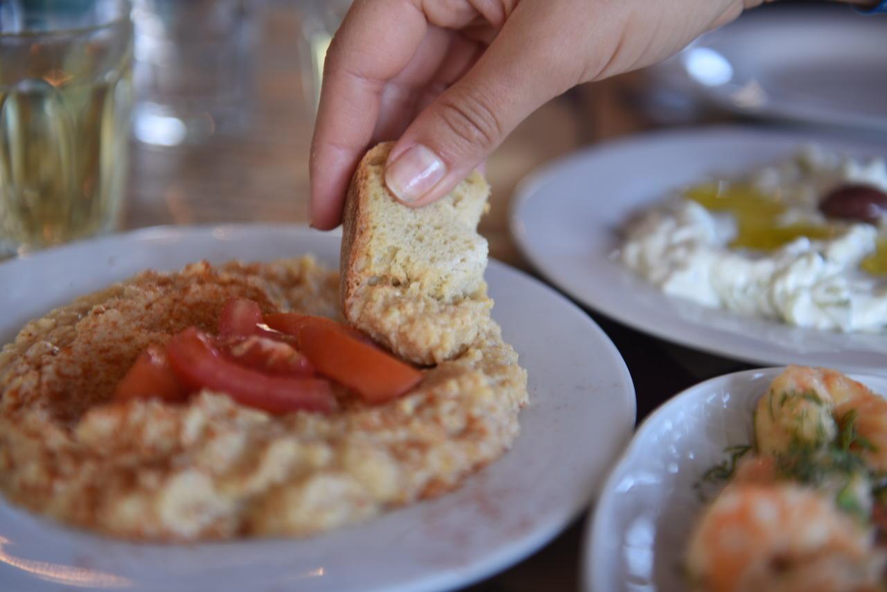 Hummus pomidorowy, był przystawką, która smakowała mi najmniej
