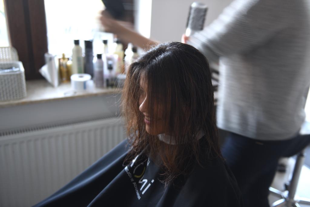 krótkie włosy fashionelka