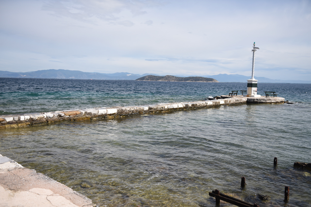port wojenny w Limenas