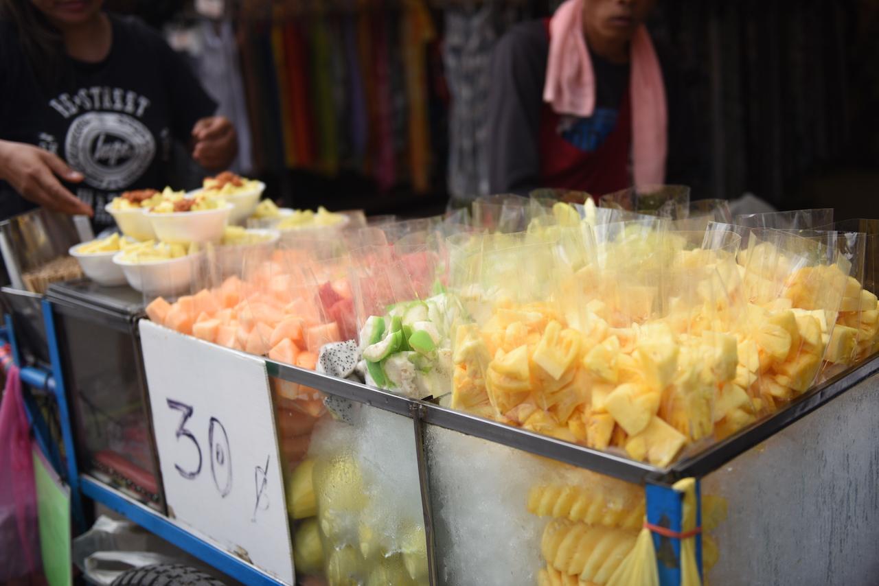 owoce, pyszne, świeże i pokrojone <3