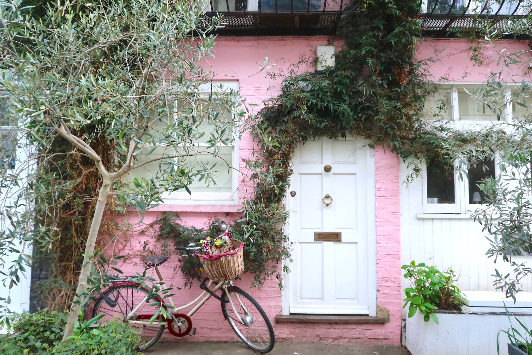 pink house notting hill