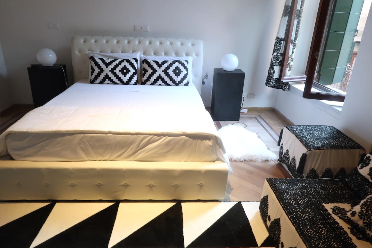 pokój airbnb wenecja