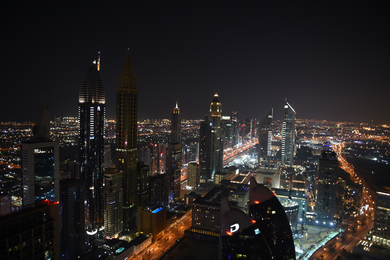 widok z okna nocą