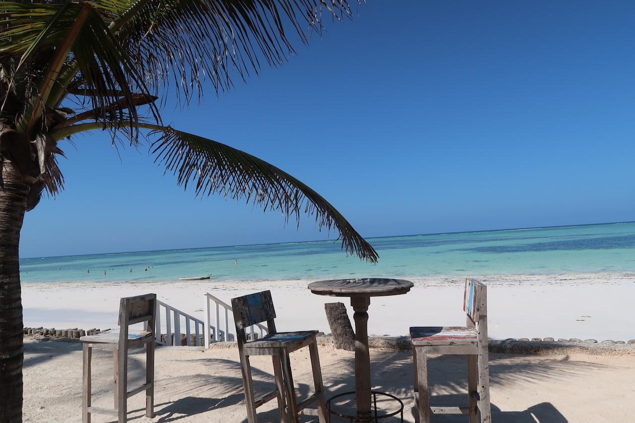 bar blue bay beach resort