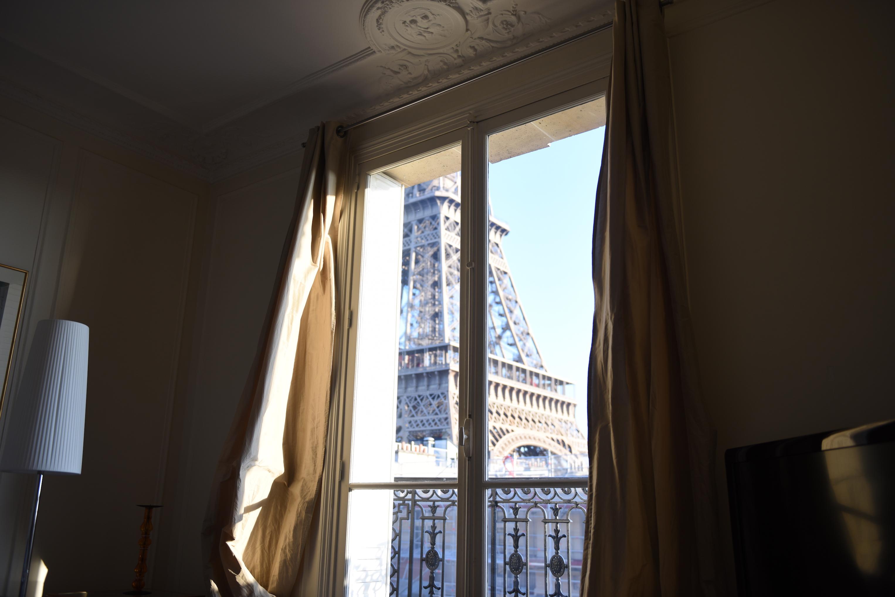 apartament z widokiem na wieżę eiffla